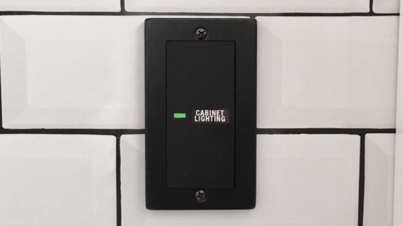 【賃貸OK】100円のスイッチカバーで簡単にスイッチをおしゃれにできる!